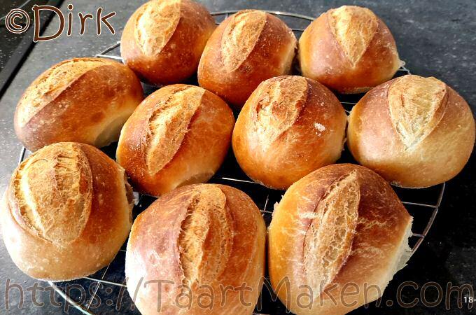 Harde broodjes met koelkastrijs